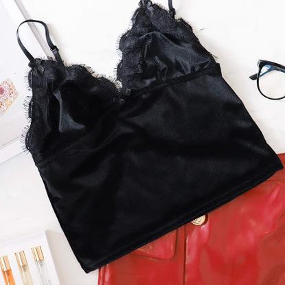 Lady in black 05
