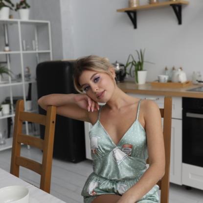 Lady in homewear 86