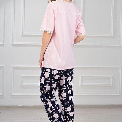 Lady in homewear 02